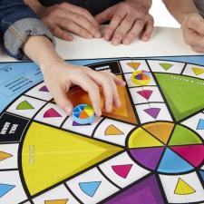 Настольная игра Тривиал Персьют Семейное издание Hasbro