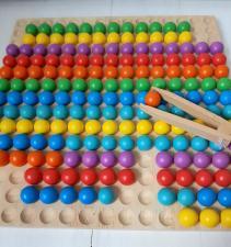 Мозаика деревянная с шариками и пинцетом
